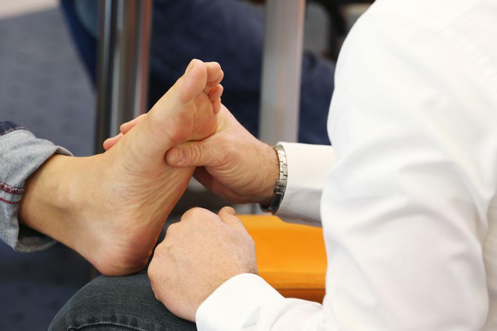 Was tun bei Fußschmerzen
