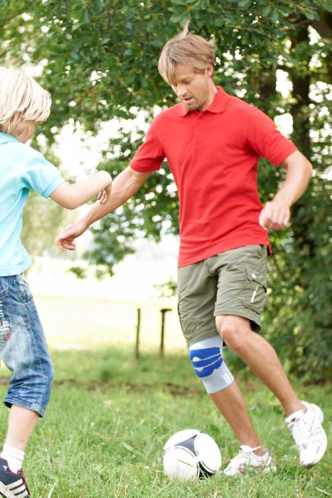 orthopädische Kniebandage für den Sport