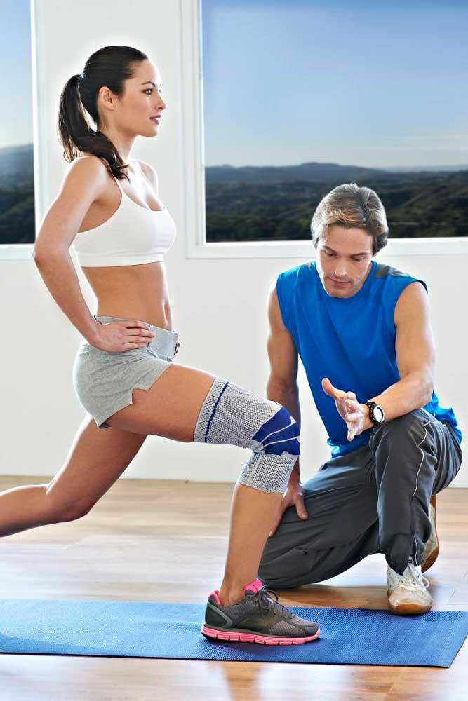 Knieübungen mit Bandage