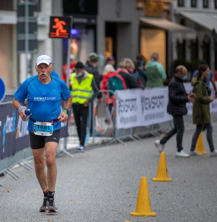 Läufer Uwe Schinz beim Ironman in Hamburg
